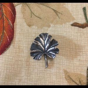 James Avery retired Leaf Pendant